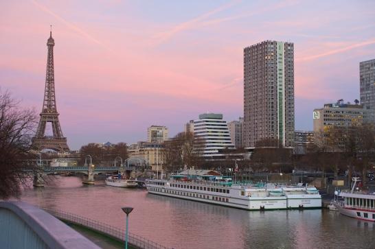 Tramonto rosa a Parigi