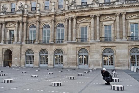 Les Deux Plateaux - installazione di Daniel Burean nel Cour d'Honneur del Palais-Royal